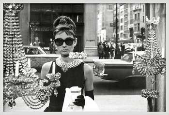 Poster encadré Audrey Hepburn - window