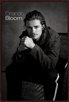 Orlando Bloom - sitting Poster